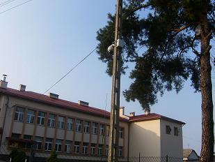 Teren Szkoły Podstawowej nr 2.  pod okiem kamery